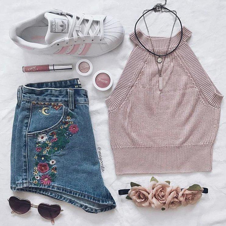 Shorts outfit mom jeans casual wear for teens.