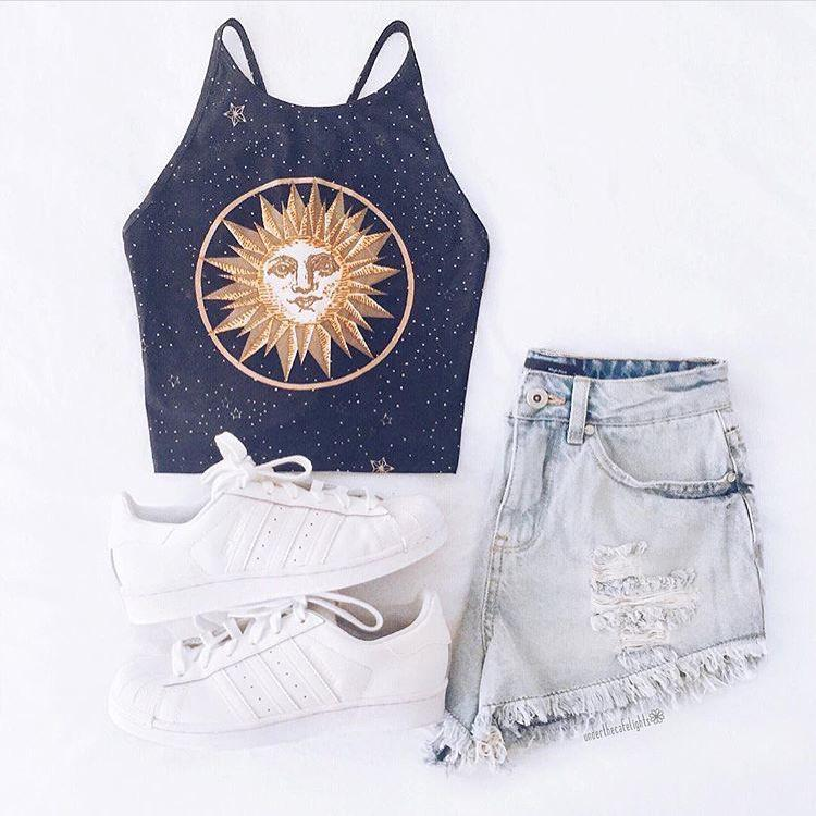 Shorts Outfit Sleeveless shirt, Summer vacation