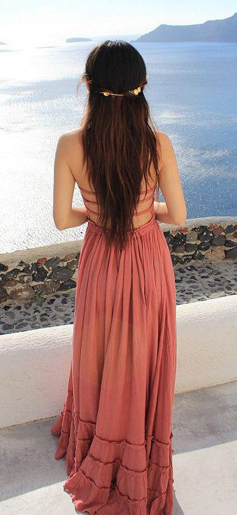 Beach Vacation Outfits : Cute dress for a beach holiday