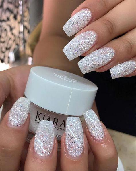 Gorgeous Glitter Nail Ideas For The Holidays On Stylevore