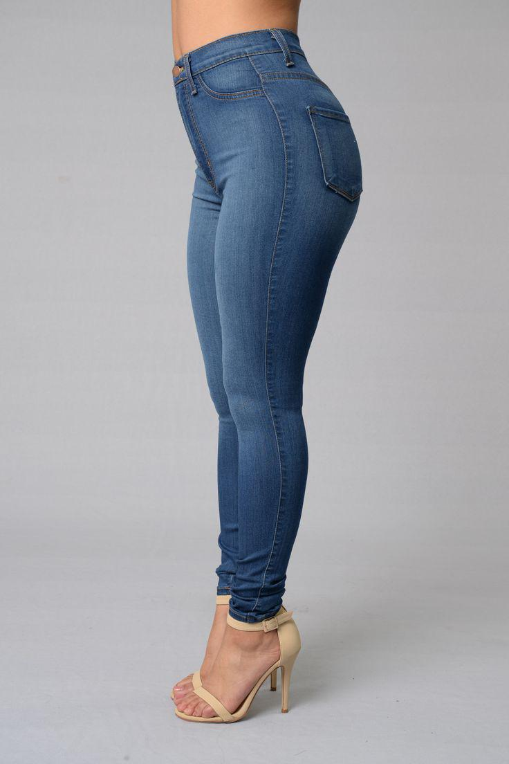 Outfits For Curvy Women : Love this Fashion Nova classic high waist skinny jeans!