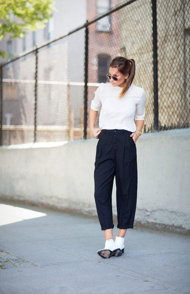 b34196025 Classic Black and White Outfit Idea for Work on Stylevore