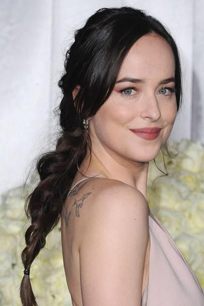 Dakota was a total knockout at the premiere for Fifty Shades Darker. She wore her hair in a pret ...