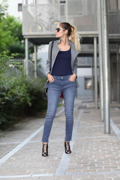02eea74022 Jeans With Navy Blue Top   Blazer on Stylevore