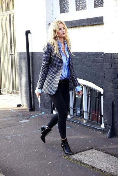 Ankle boots, black jeans, blue shirt & blazer!
