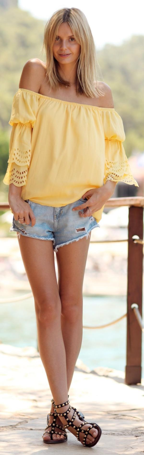 Cute off-shoulder tops like this can make your wardrobe more exciting and more colorful.