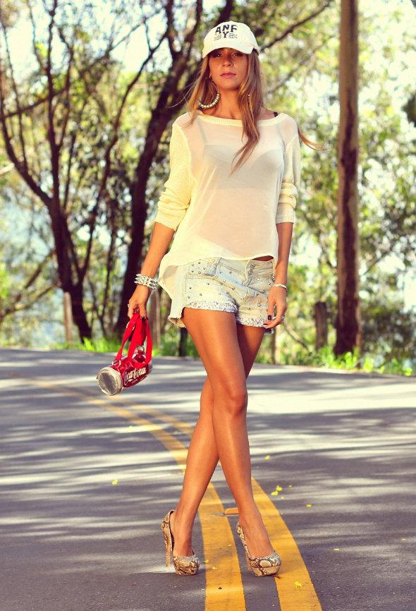 c3a57e0644 Stylish Summer Outfit with Shorts For Girls on Stylevore