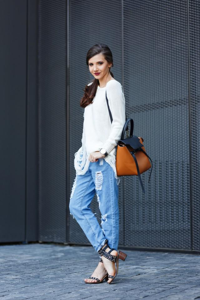 1de18a88f3 White Jumper and Ripped Jeans on Stylevore