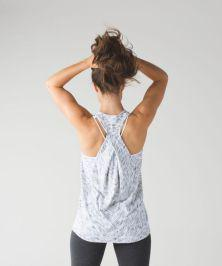 Awesome Gray Tank Top & Black Legging – Gym outfit Idea