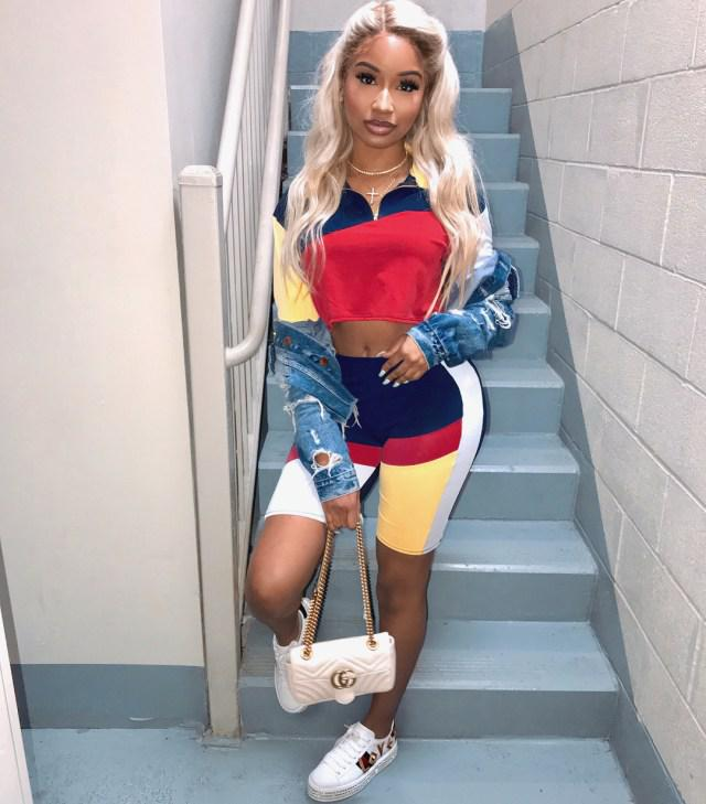 Swag Outfit Ideas For Black Girls – Wearing Multi-Color Set