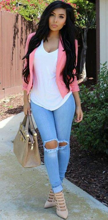 5979700da2 Best Outfit Ideas with Ripped Jeans for Crazy Women on Stylevore