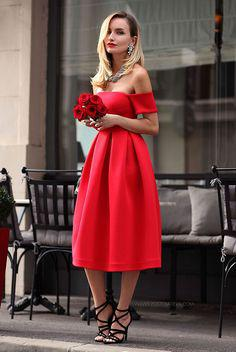Christmas Day is around the corner. We've found this lovely Christmas Day outfit ideas for ...