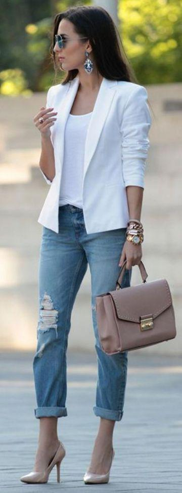 White Blazer pairing with Rugged Jeans – Jeans Outfit Ideas