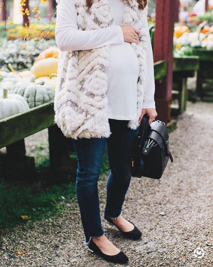 Best Maternity Outfit Ideas : Maternity Style: Everything you need for #Fall: drop hem jeans, fa ...