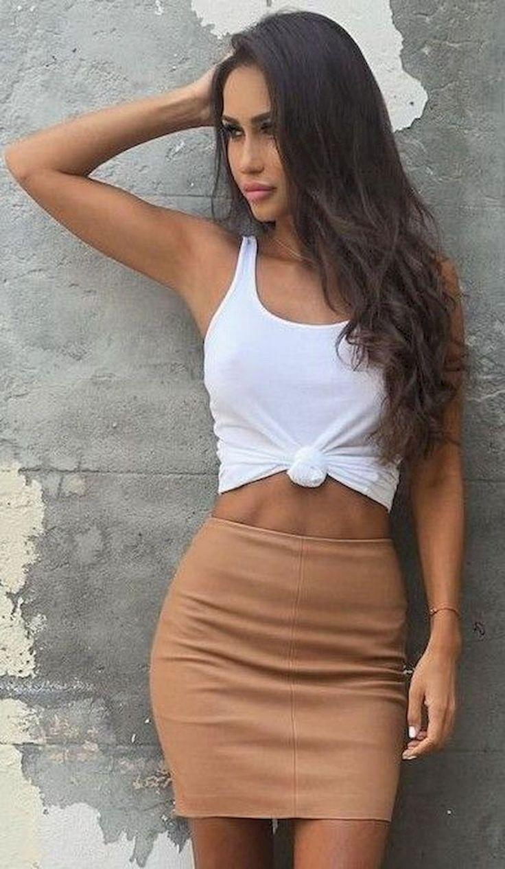 4a1e469695 Crop Top And Skirt Outfit Ideas