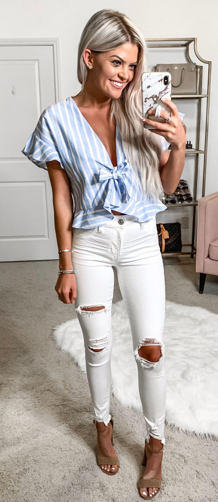 Light Blue Jeans, Spring Outfit Slim-fit pants on Stylevore