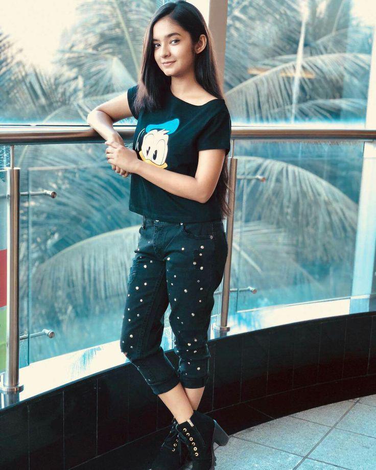 Anushaka Sen Anushka Sen Anurag Kashyap On Stylevore Fashion in india is all about the medley of indian ethnicity. anushaka sen anushka sen anurag
