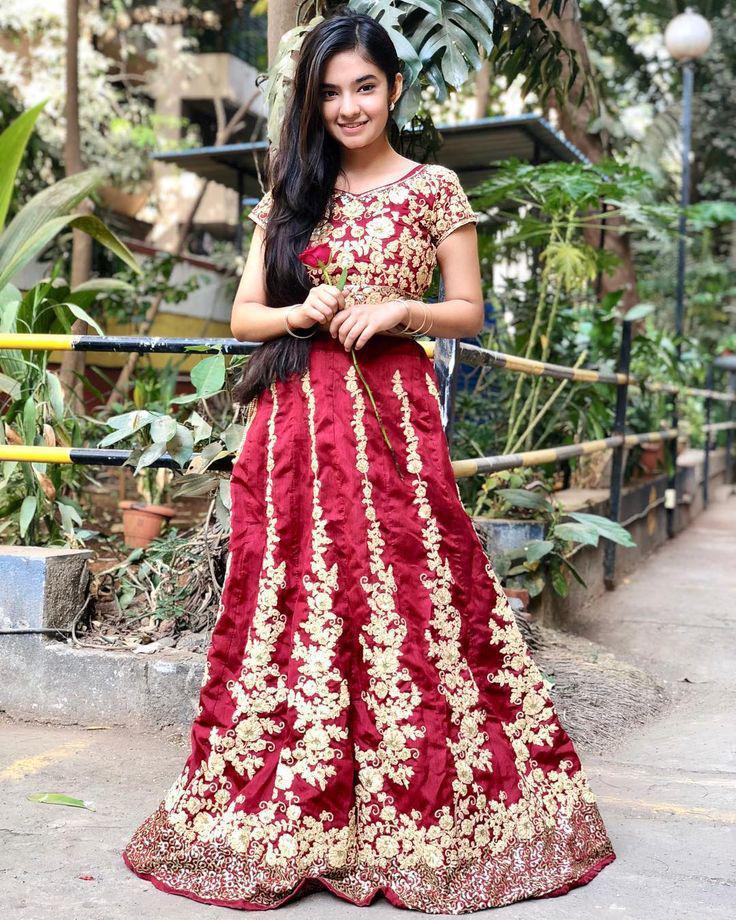 Anushka Sen – My First Saree!