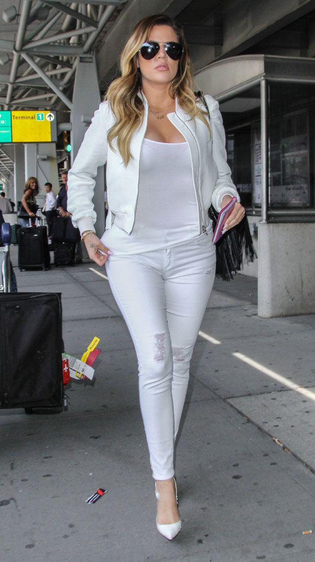 6 Tips on How to Wear All White Outfits