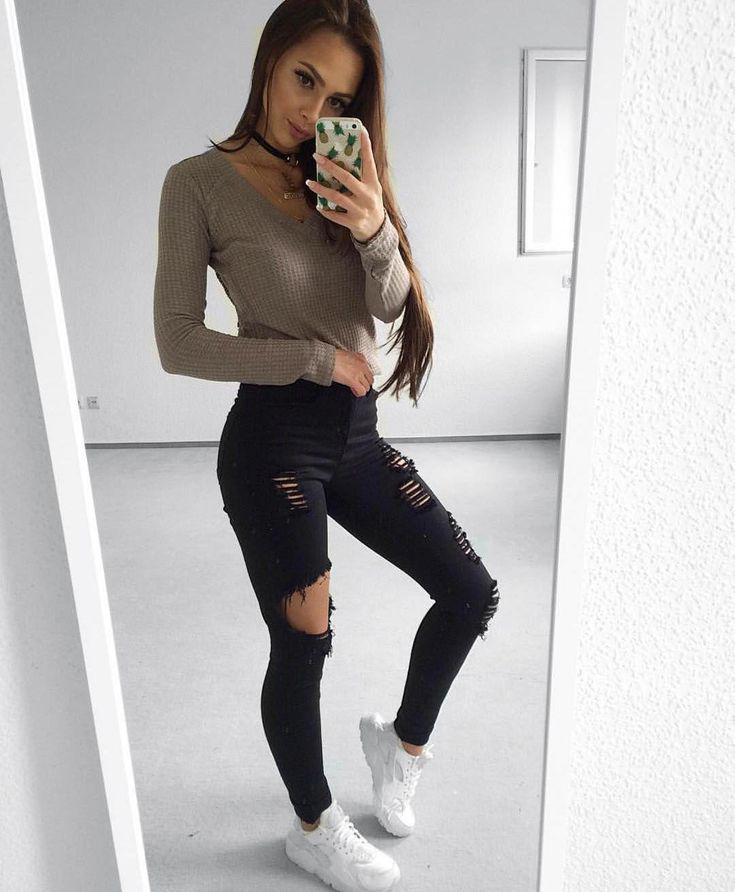 Hip hop fashion. Best Jeans for Women of All Sizes and Styles 2018  200+ Cute Ripped Jeans Outfi ...