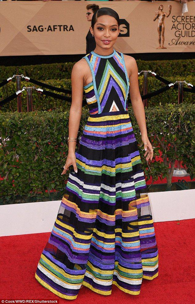 Black-ish star Yara Shahidi twirls down the SAG Awards red carpet