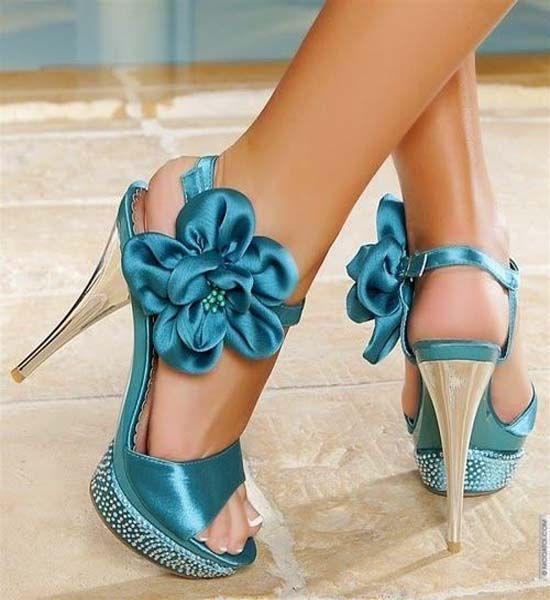Scarpe & Scarpe. Gorgeous Trendy Shoe Sandals Styles On The Street