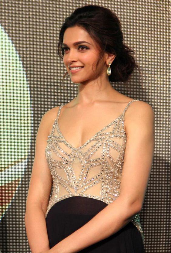 Best Bun Hairstyle Of Deepika Padukone In Chennai Express