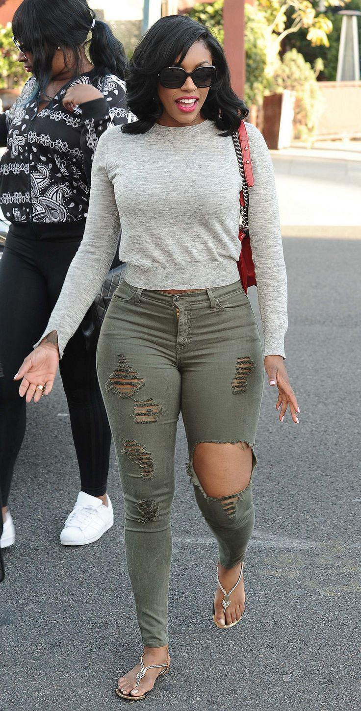 Outfits For Thick. Ripped Jean Outfits for Summer 2018 Insta