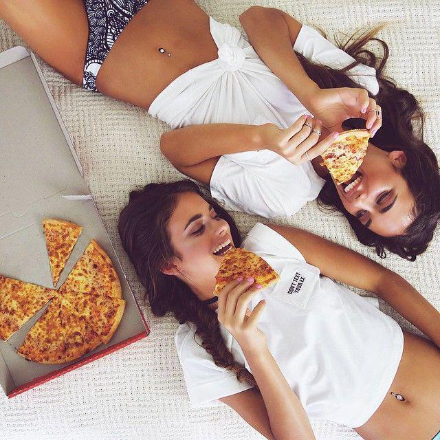 best friend goals, Matching outfit Pizza party, Gluten-free diet