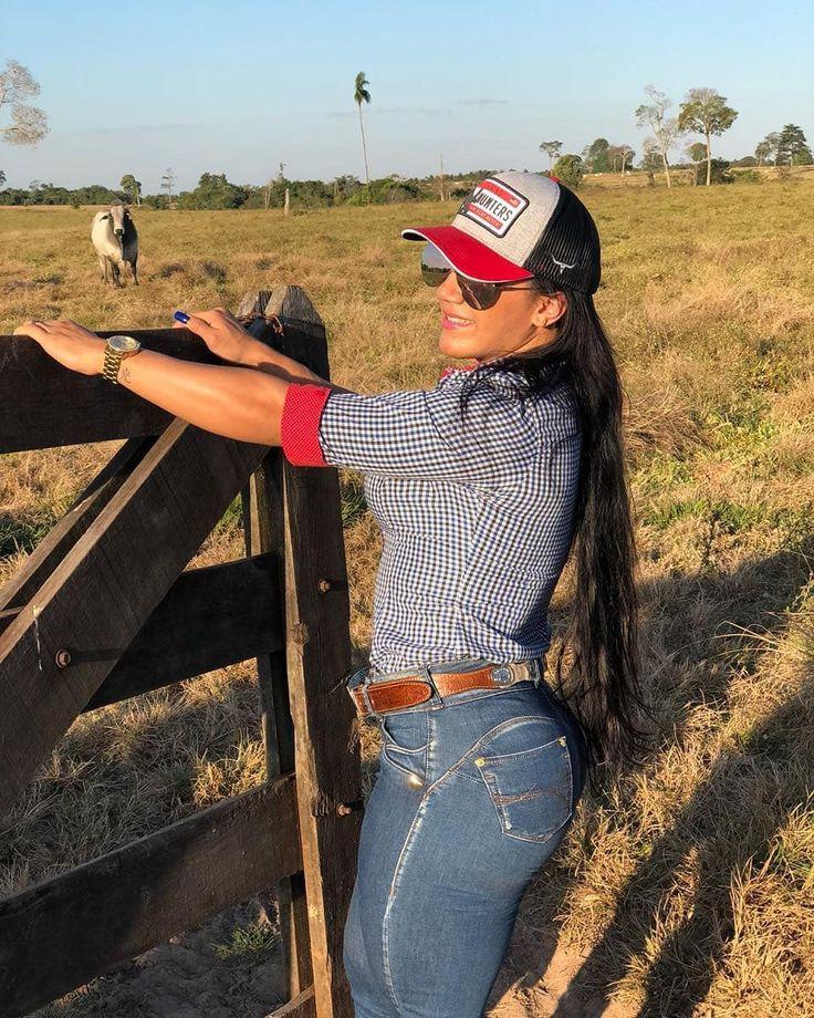 Cowgirl Barrel racing,  Rodeo Girls