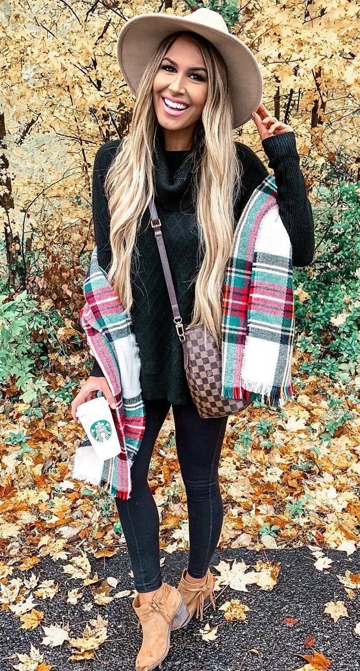 Trending Outfit Ideas for Women, tartan.