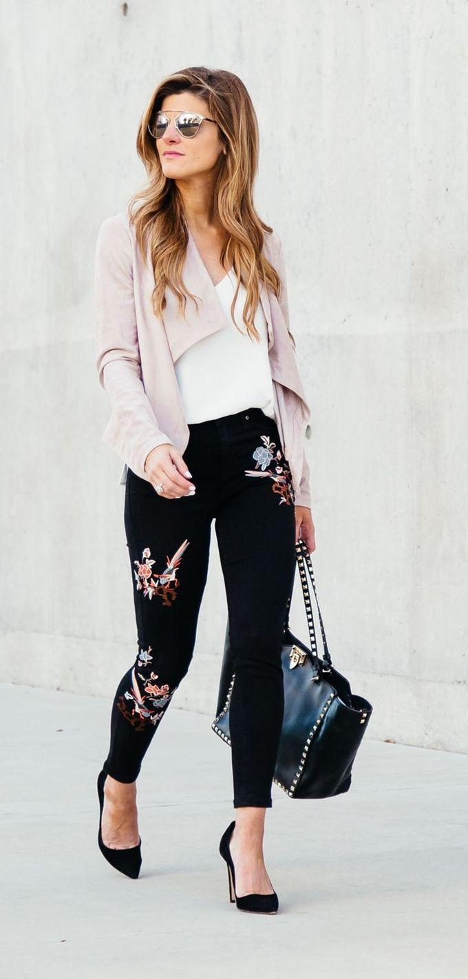 Black floral jeans outfit