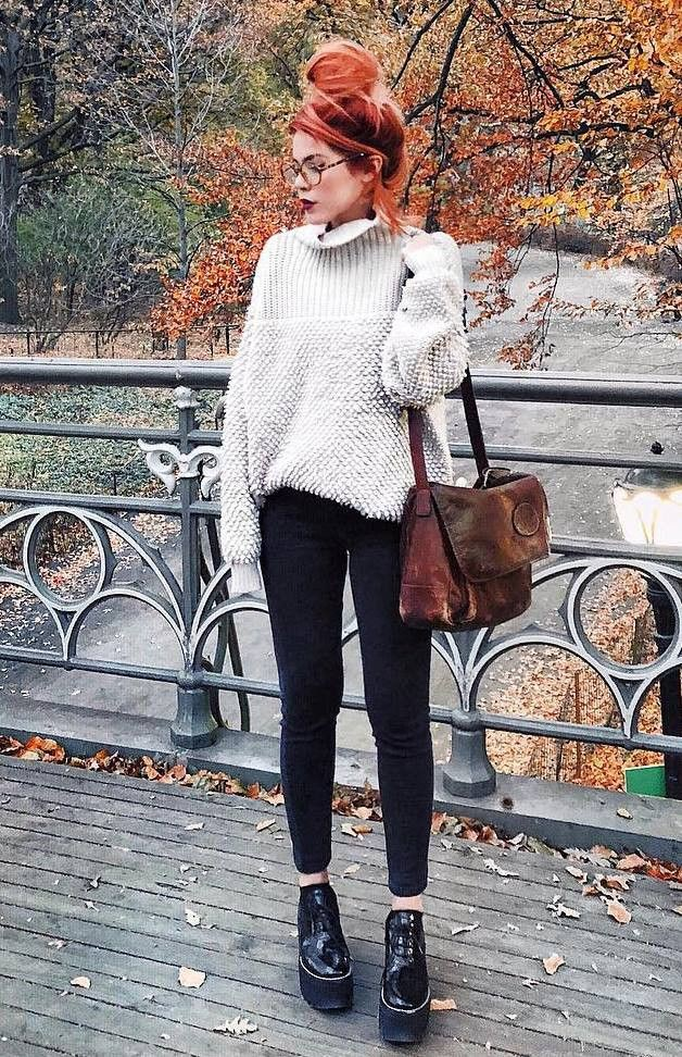 Business casual,  High-heeled shoe