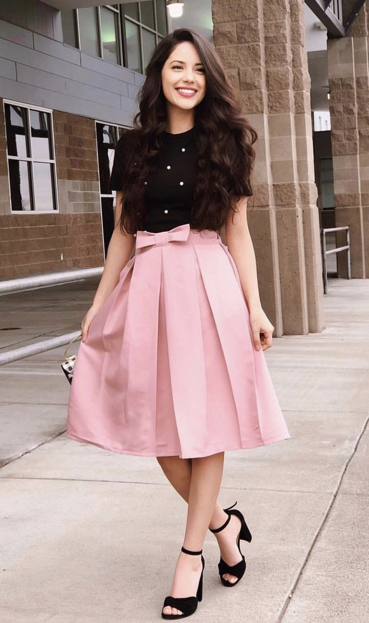 Pink skirt outfit ideas