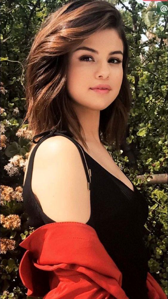 Selena gomez 2017, Selena Gomez, The Weeknd on Stylevore