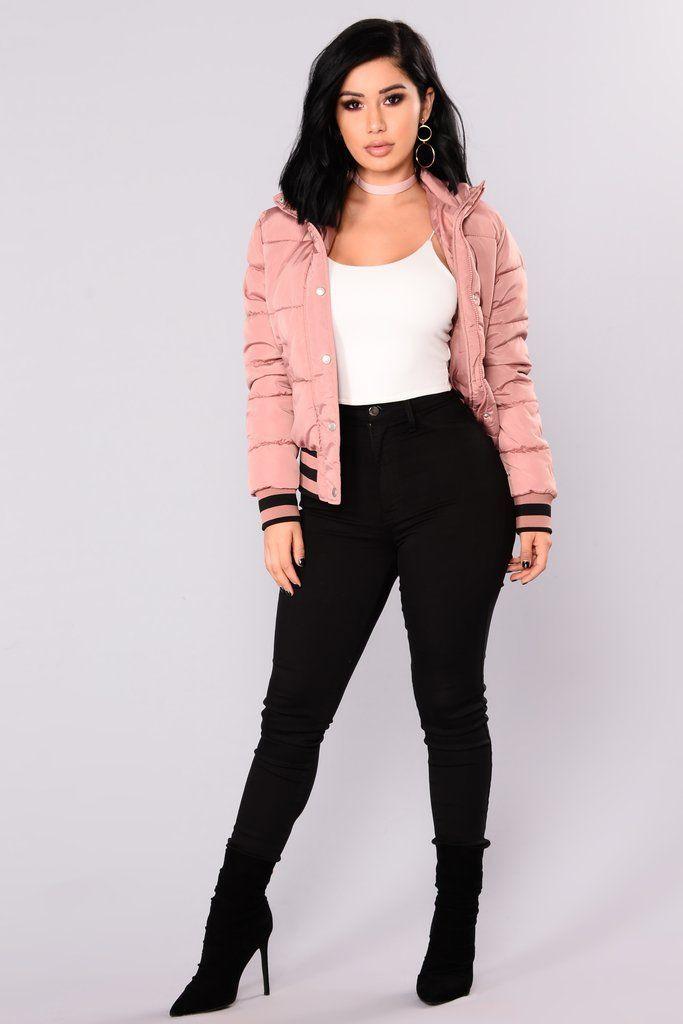 Fashion model, Fashion Nova, Casual wear on Stylevore