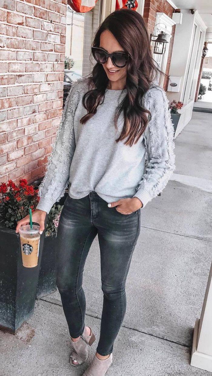 Slim-fit pants,  Long hair