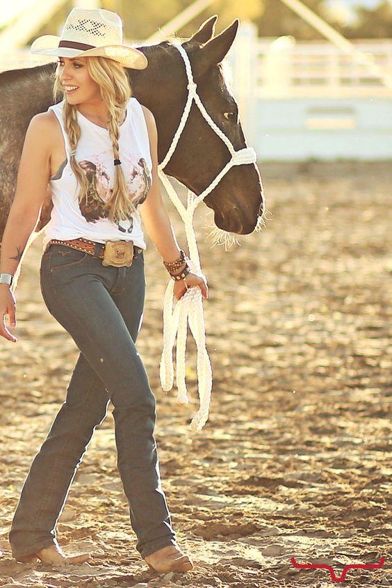 Western riding, Western wear, Cowboy boot