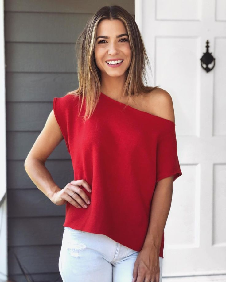 Outfit Ideas With Red Top, Orly Shani, Sleeveless shirt