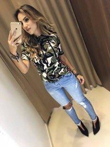 Look com colete jeans para rodeio