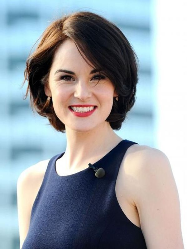 Short bob hairstyles for women over 40 on Stylevore