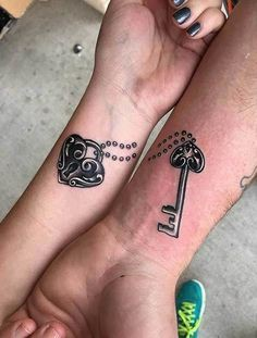 See these amazing couple tattoo designs, Android application package