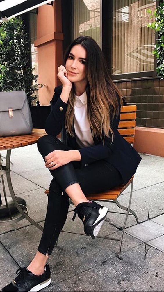 College Outfits For Girls To Rock This Winter