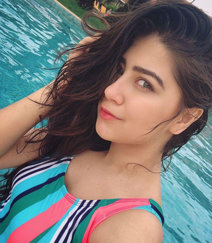 Instagram Selfie Aditi Bhatia