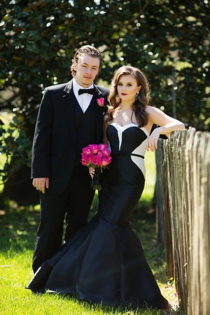 Black Matching Prom Outfits For Couples