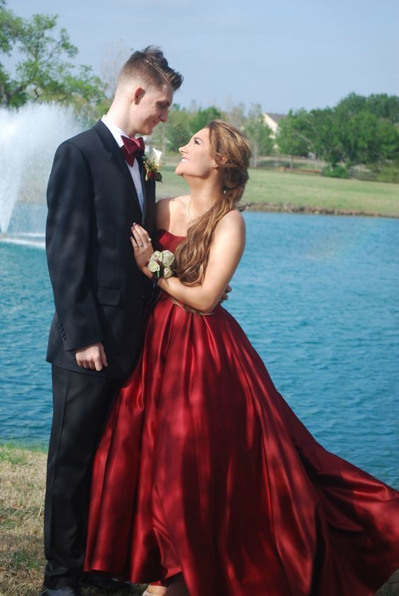 Homecoming Burgundy Slayed Prom Couples Outfit, Evening gown