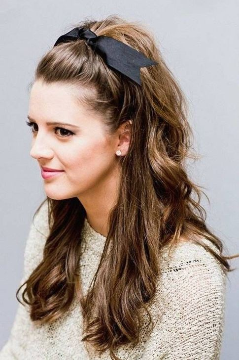 College Daily Simple Cute Hairstyle For Girls on Stylevore
