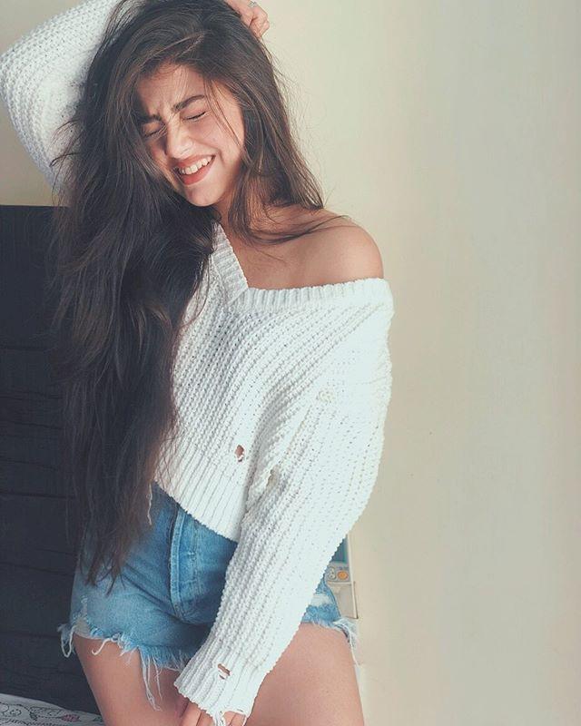 Sexy Pics Of Aditi Bhatia