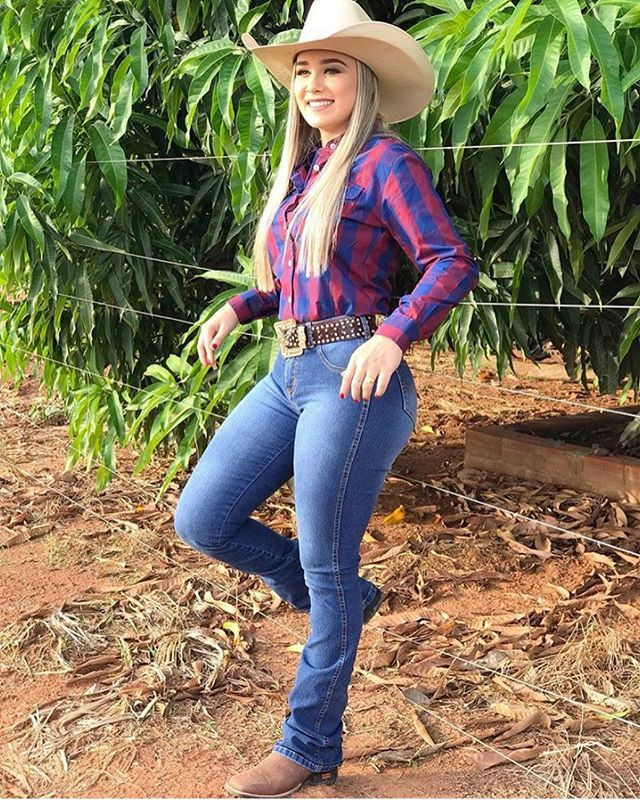 Traditional Mexican Cowgirl Outfits on