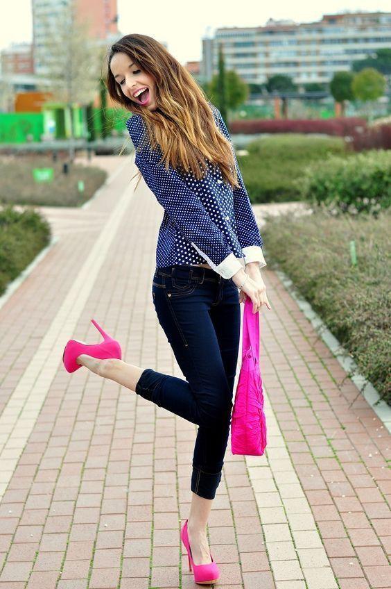 Combinar ropa con zapatos fucsia